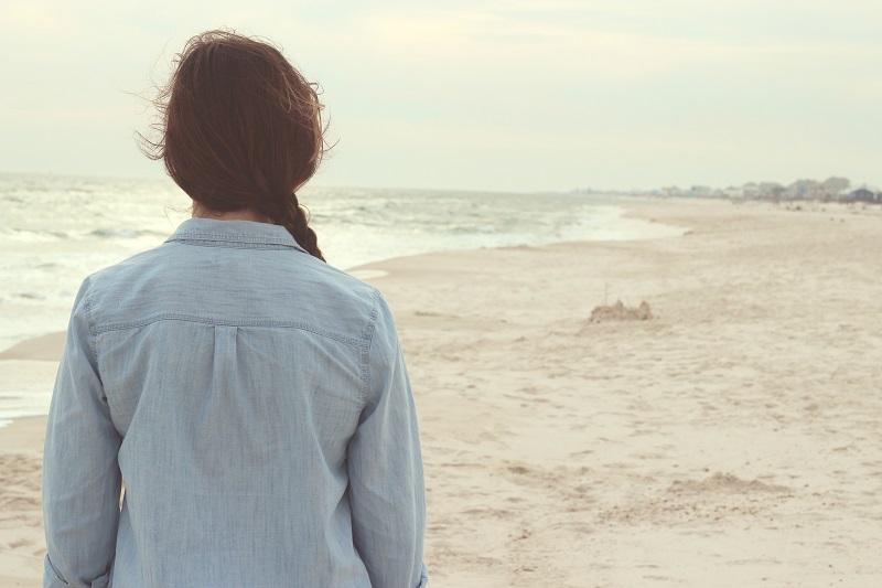 Schizofrenia – dlaczego chorzy mają tendencję do wycofywania się z życia społecznego? Jak można im pomóc?