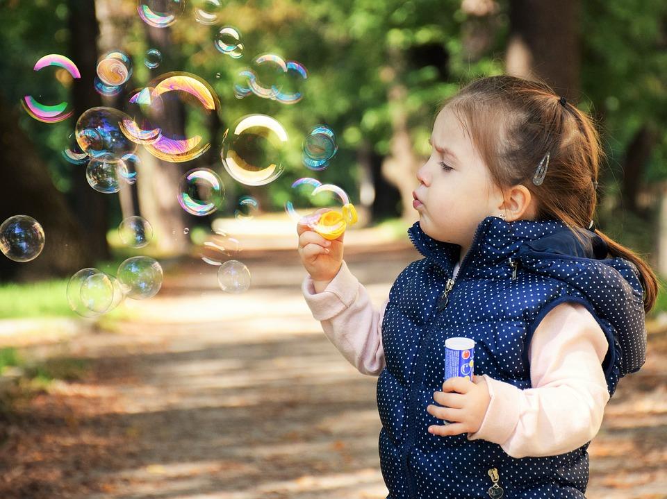 Jak mądrze bawić się z maluchem?