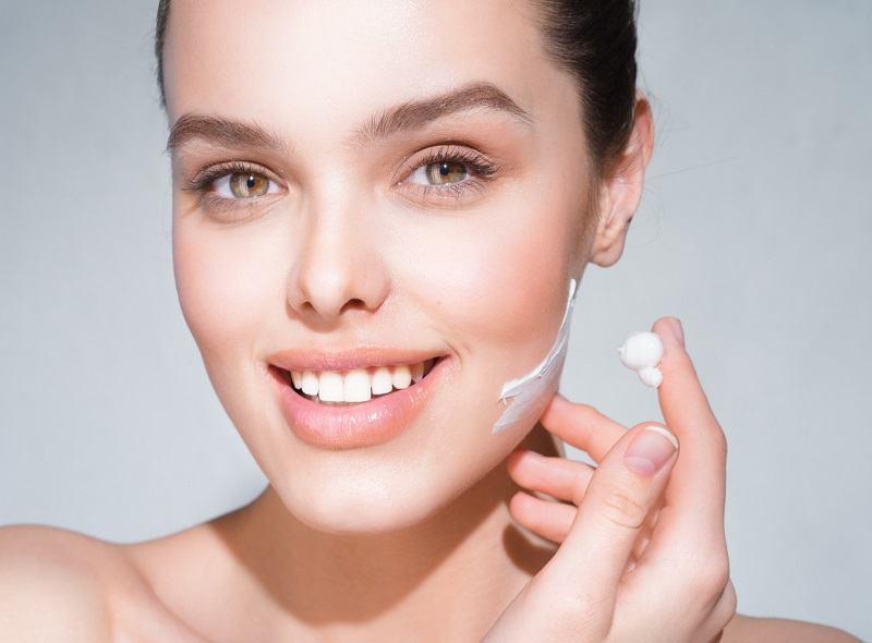 Jakie środki stosować w przypadku skóry suchej i skóry z przebarwieniami?