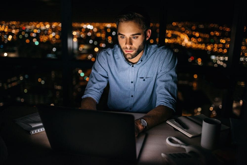 Dodatek za pracę w nocy – wszystko, co warto wiedzieć