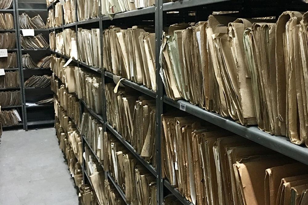 Niszczenie dokumentów a ochrona danych osobowych – jak przeprowadzić zgodnie z przepisami?